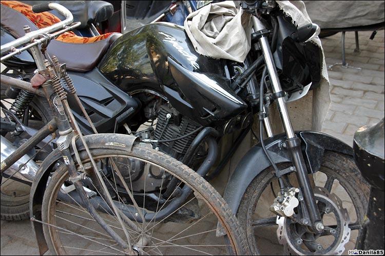 http://danila85.com/livejournal/2009/motorbikes/apache.jpg