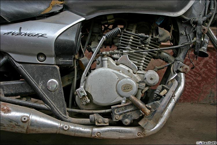http://danila85.com/livejournal/2009/motorbikes/avenger2.jpg