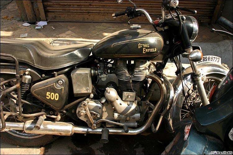 http://danila85.com/livejournal/2009/motorbikes/enfield2.jpg
