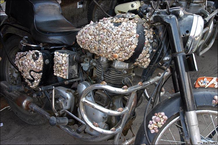 http://danila85.com/livejournal/2009/motorbikes/enfield3.jpg