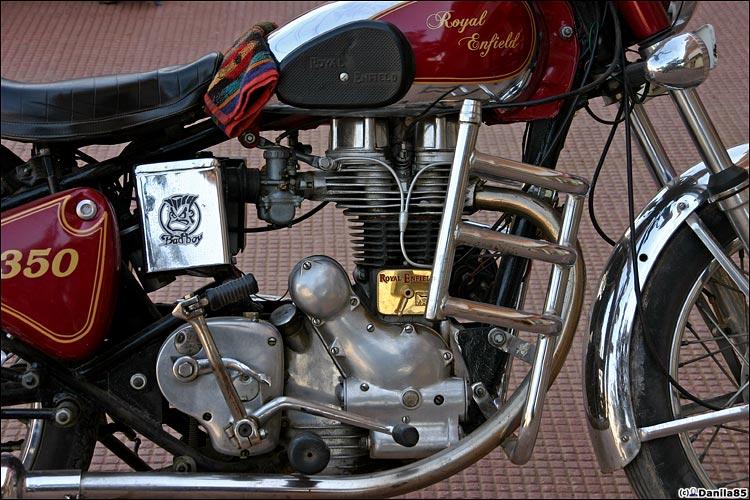 http://danila85.com/livejournal/2009/motorbikes/enfield5.jpg