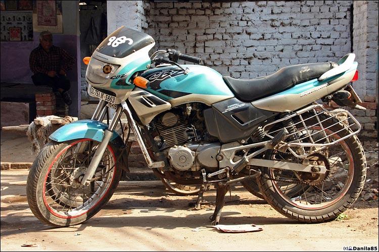 http://danila85.com/livejournal/2009/motorbikes/hero_cb1.jpg