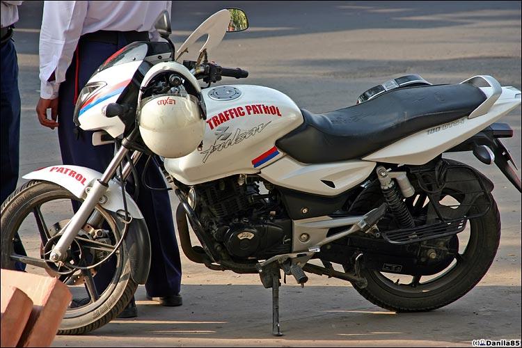 http://danila85.com/livejournal/2009/motorbikes/pulsar4.jpg