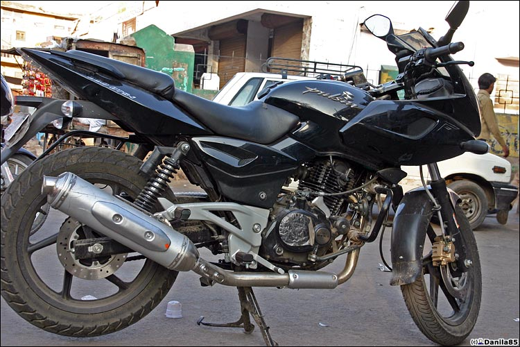 http://danila85.com/livejournal/2009/motorbikes/pulsar5.jpg
