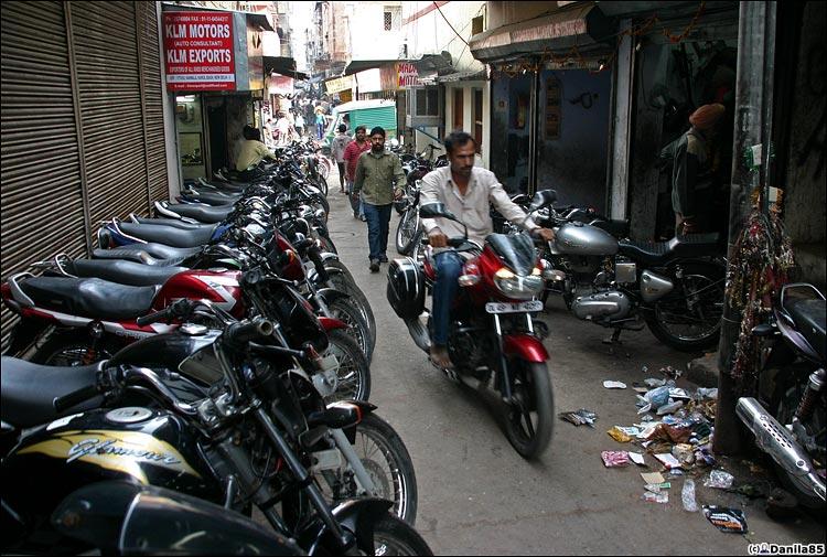 http://danila85.com/livejournal/2009/motorbikes/rinok1.jpg